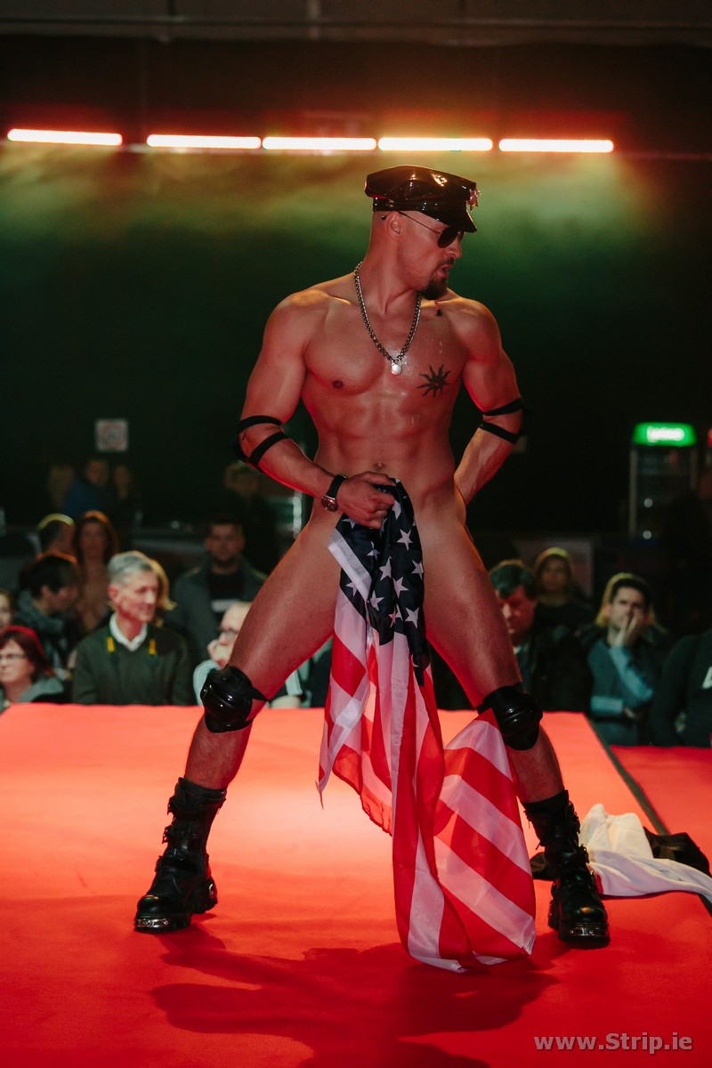 free-male-pic-stripper